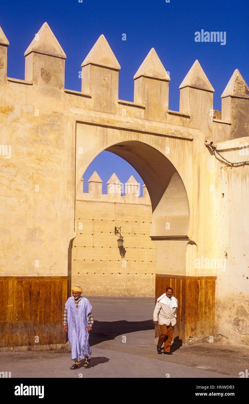 Gate di Gran Rue de Fes el Jedid, Fez, in Marocco, Africa. Immagini Stock