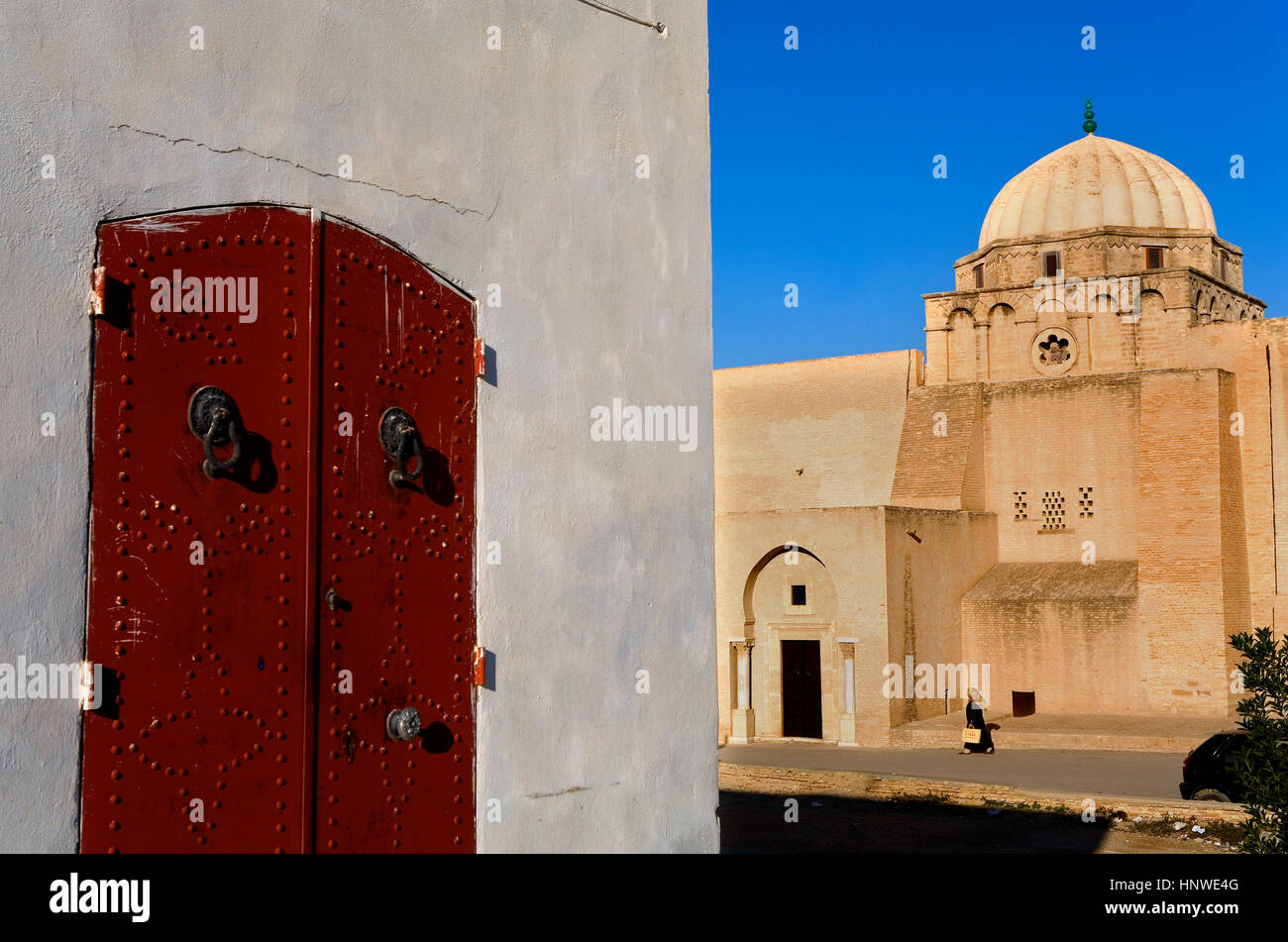 Tunez: Kairouan. Medina.Rue Ali Bey Immagini Stock