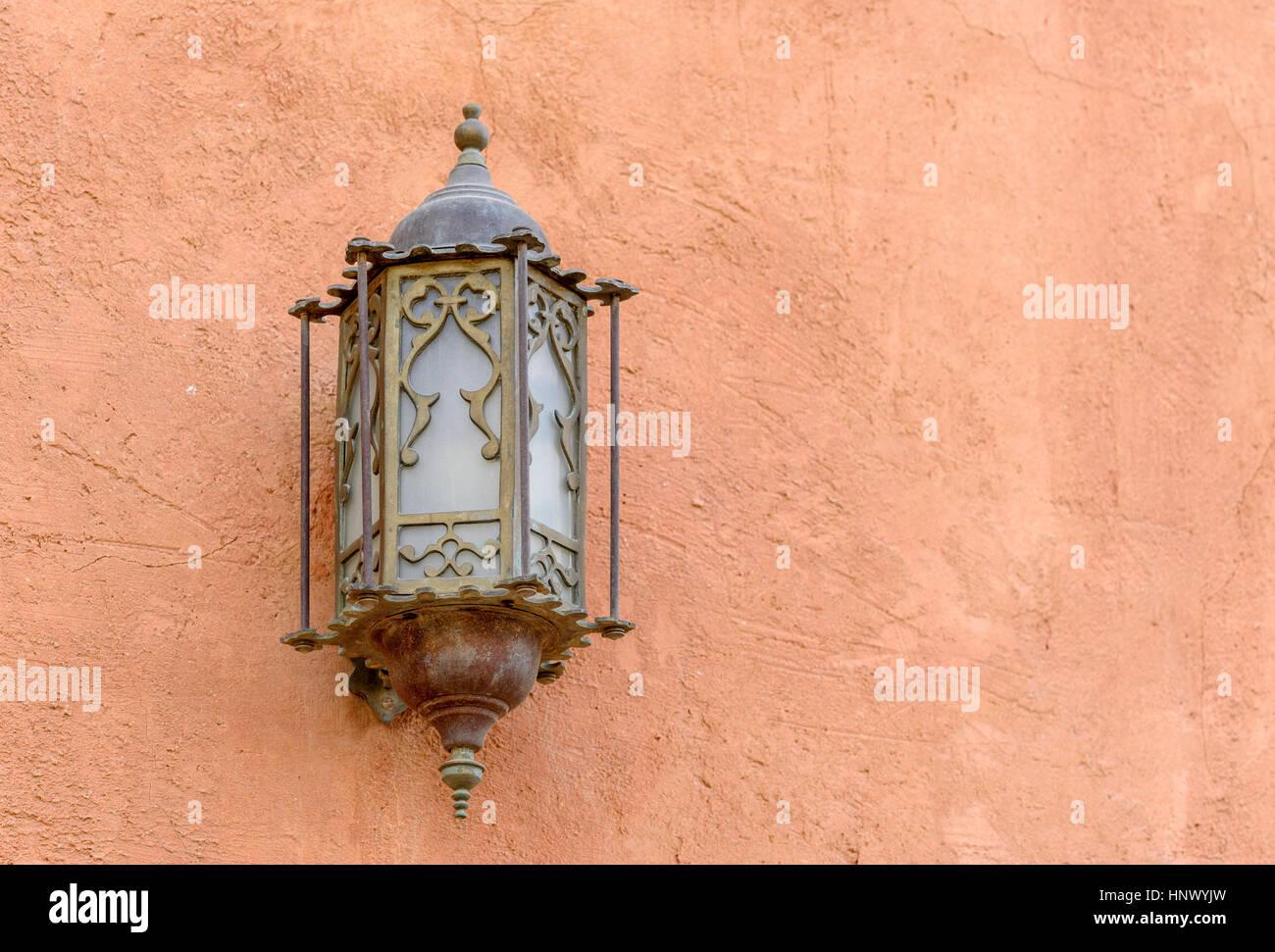 Lanterna Parete Esterno : Lanterna ottone e vetro in stile arabo lanterna sulla parte