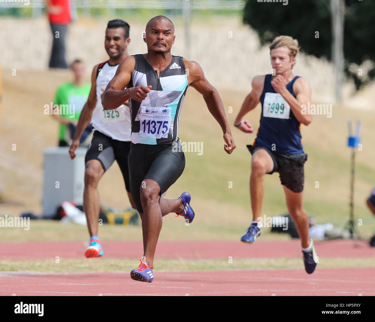 Cape Town, Sud Africa. 18 Febbraio, 2017. Roscoe Engel di Tygerberg Athletic Club vince la mens 100m in 10,25 secondi Immagini Stock