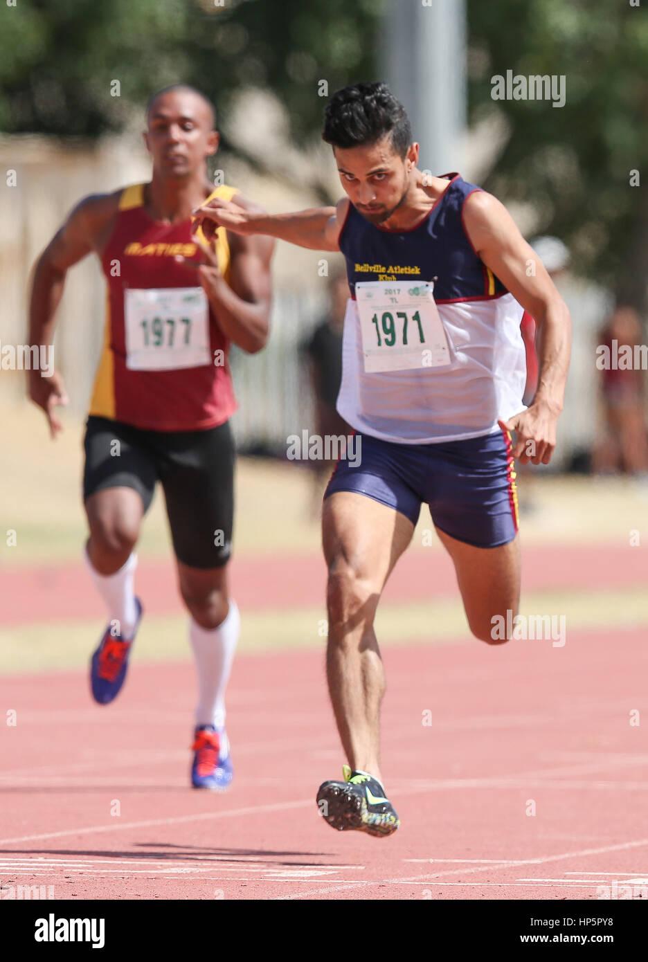 Cape Town, Sud Africa. 18 Febbraio, 2017. Dexter Wilton di Bellville club atletica nella mens 100m durante la seconda Foto Stock