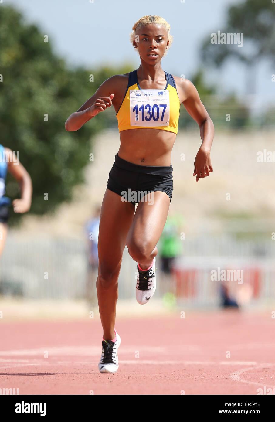 Cape Town, Sud Africa. 18 Febbraio, 2017. Chelsea Samuels dell Università di Western Cape (UWC) in donne 100m durante Foto Stock