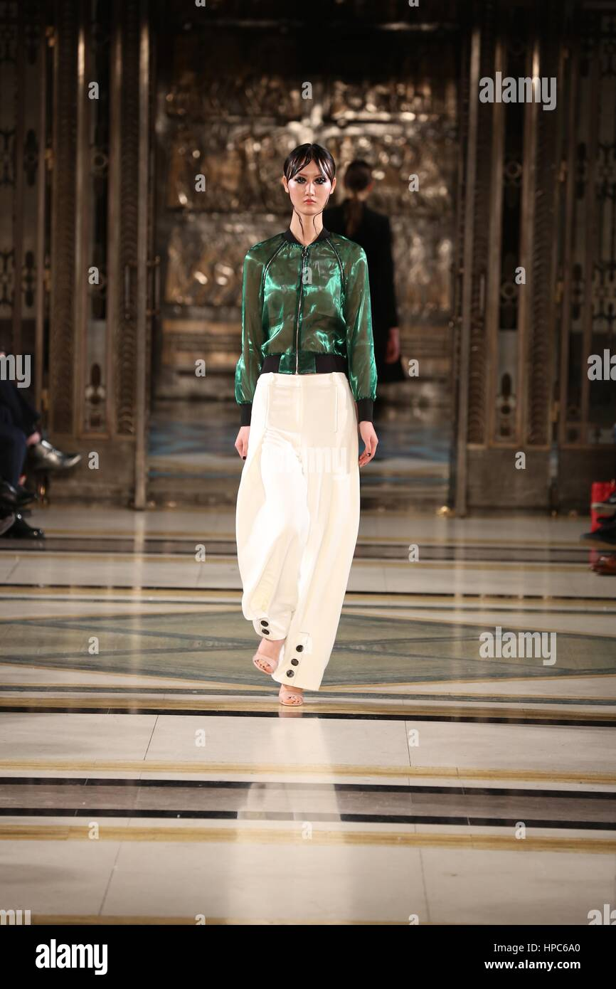 La London Fashion Week , Moda Scout Feb 2017 Passerella .... Immagini Stock