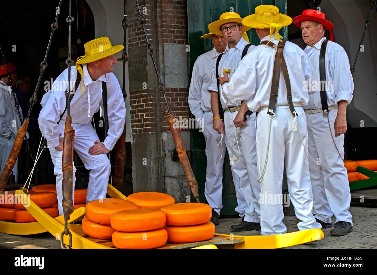 Vettori di formaggio a scaglie di formaggio, mercato del formaggio di Alkmaar, Paesi Bassi Immagini Stock
