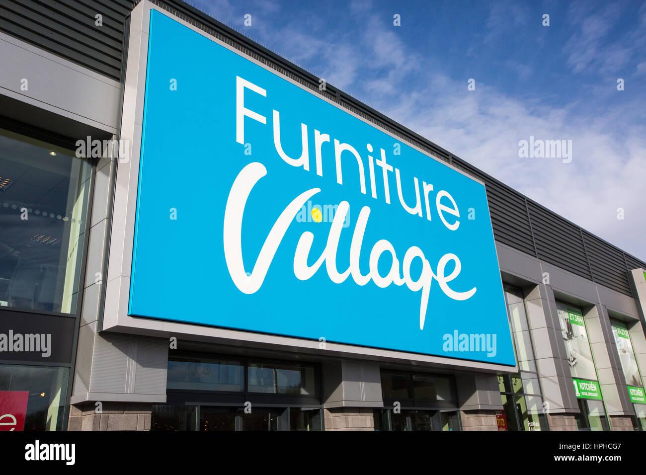 Il villaggio di mobili store esterno, a Roaring Meg retails park, Stevenage Immagini Stock