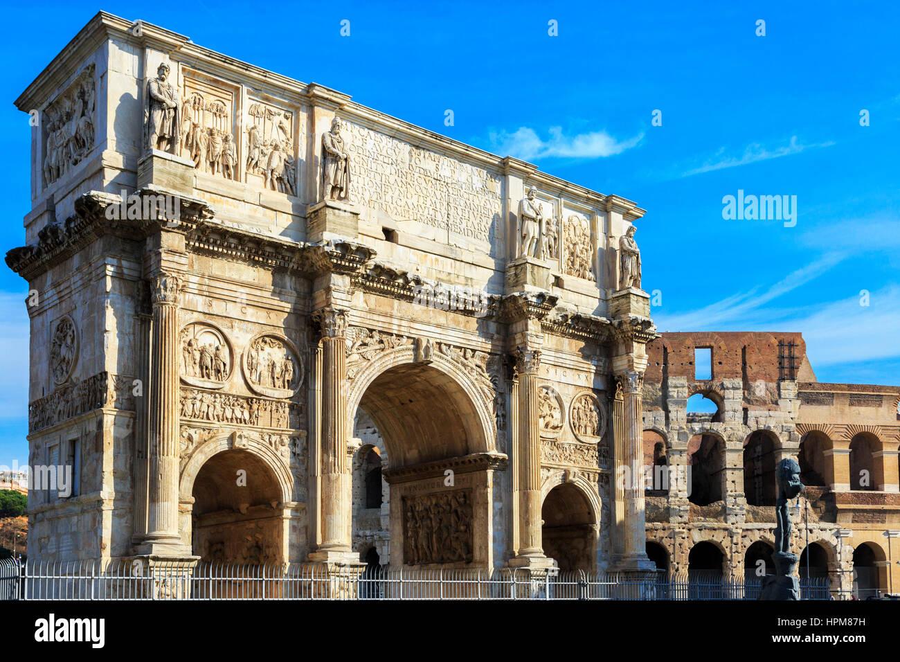 Arco de Constantino, l'arco trionfale costruito dai senatori in AD315, situato sulla Via Triumphalis, tra il Immagini Stock