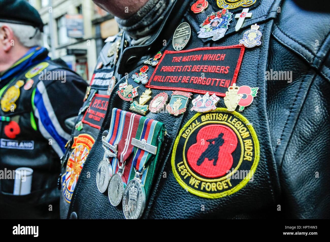 best service a2b71 766e6 Belfast, Irlanda del Nord. 25 Feb 2017 - un ex soldato ...