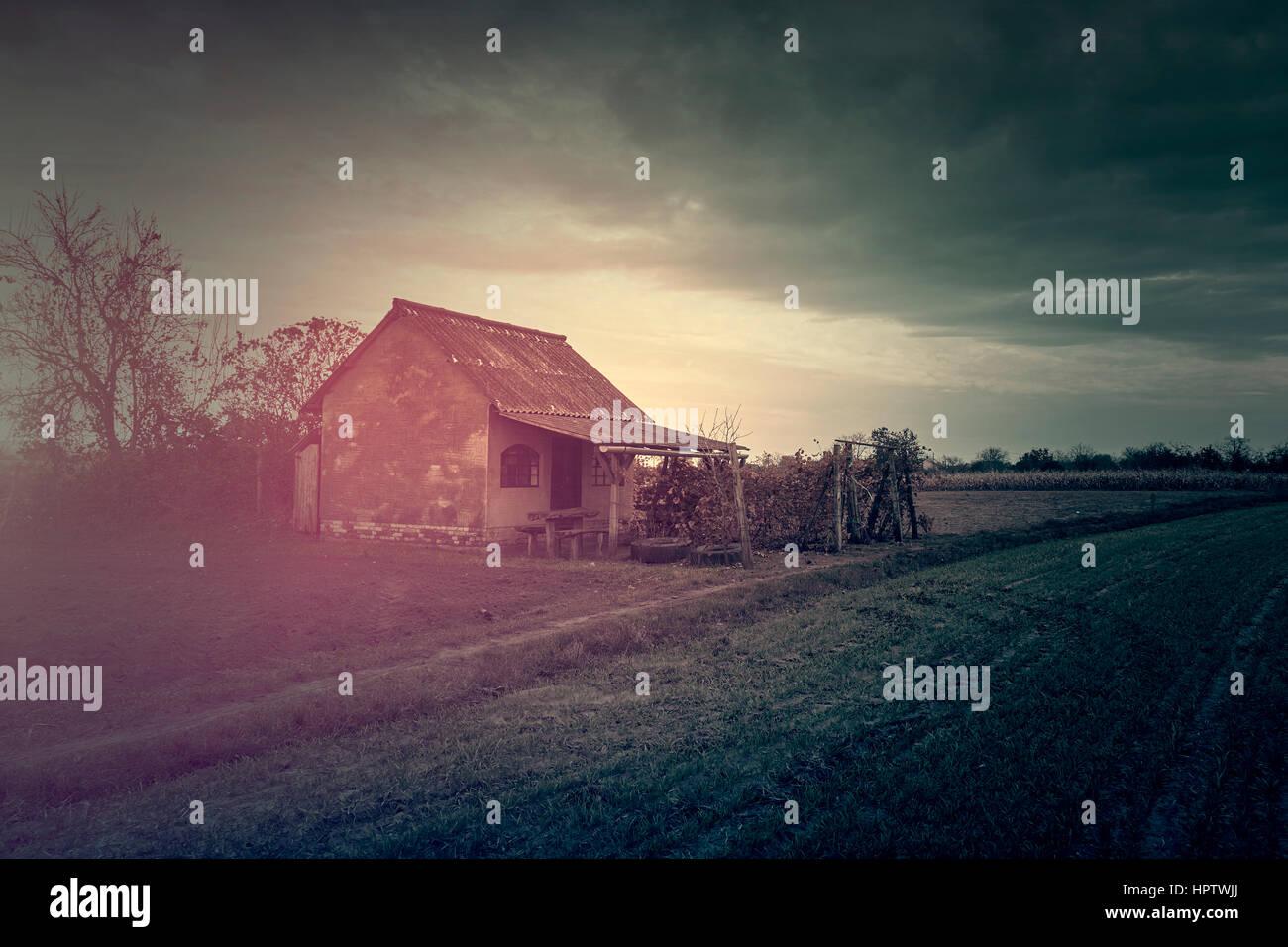 Vecchio abbandonato spooky ghost house Immagini Stock