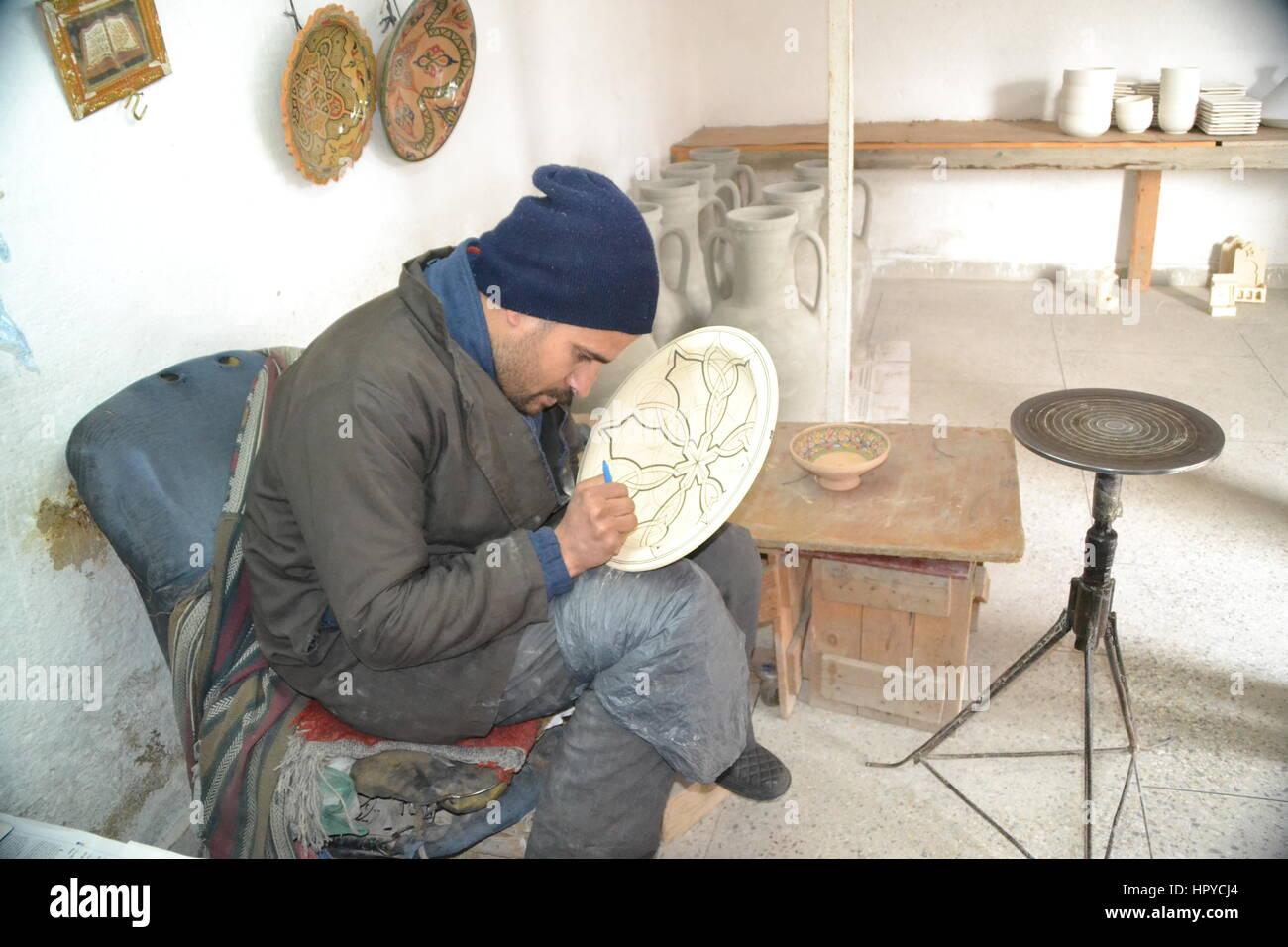 Pottery pot fez design immagini & pottery pot fez design fotos stock