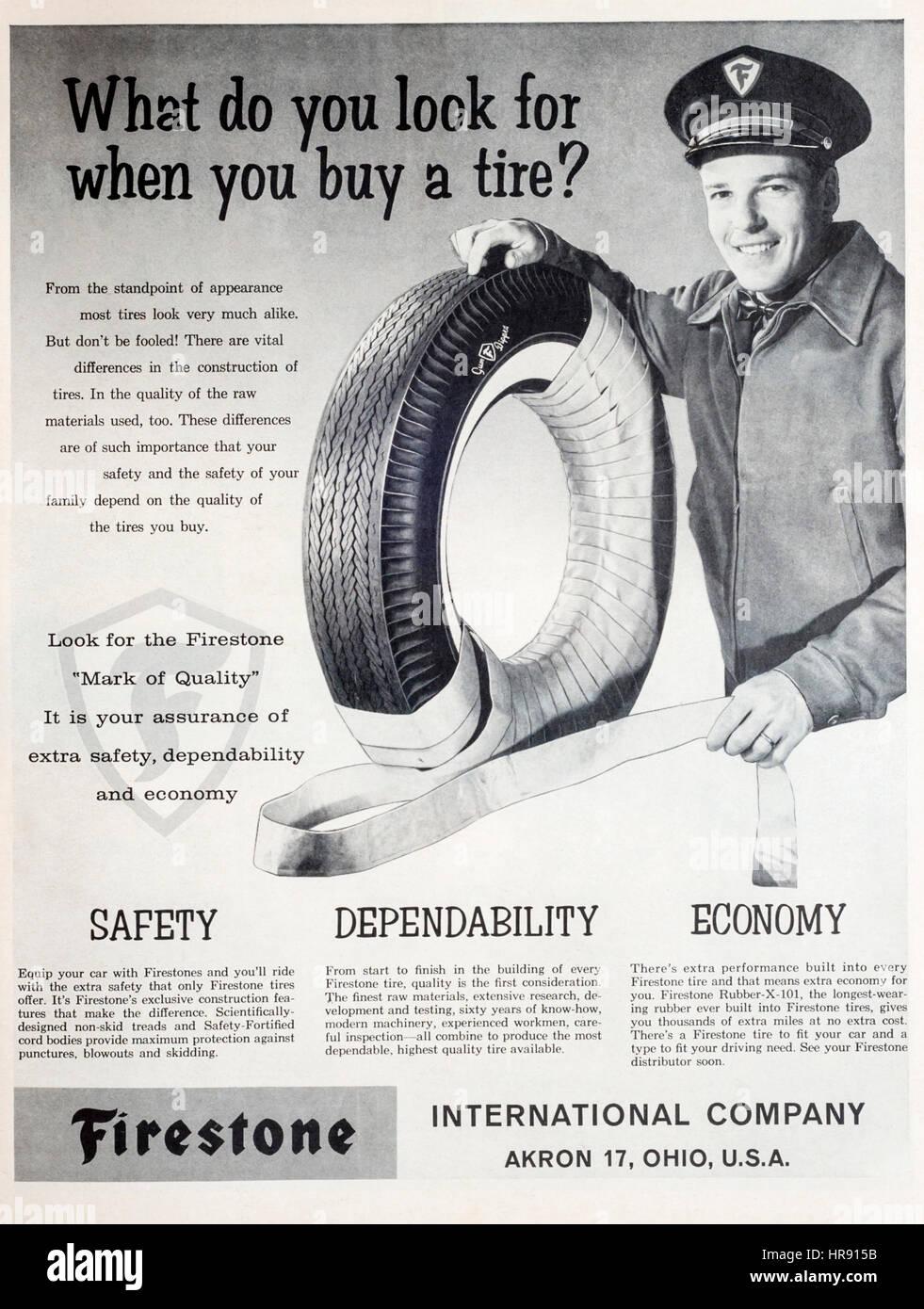 Anni sessanta annuncio rivista per la Firestone pneumatici o pneumatici. Immagini Stock