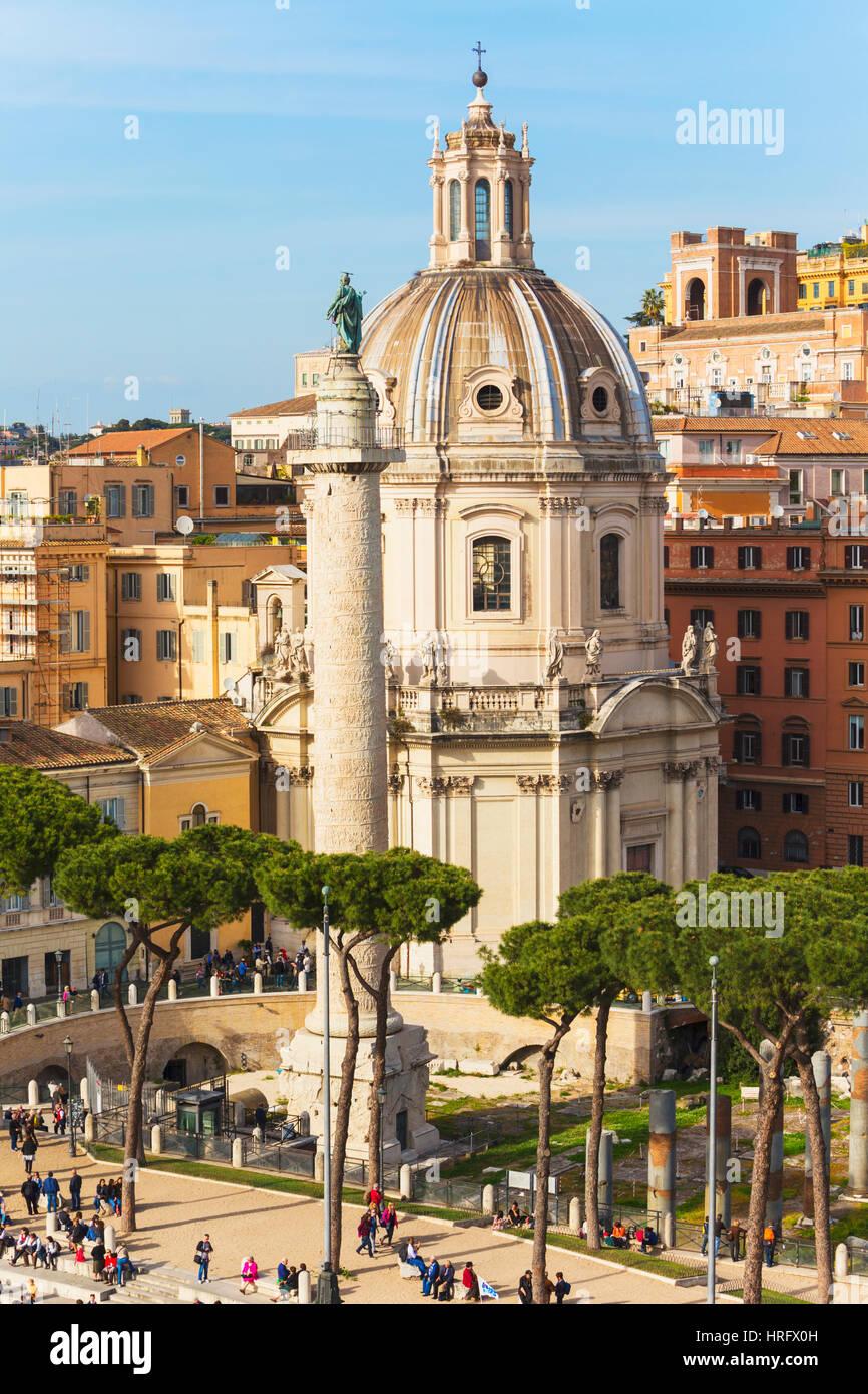 Roma, Italia. Roma, Italia. Piazza della Madonna di Loreto e la Colonna di Traiano. Il centro storico di Roma è Immagini Stock