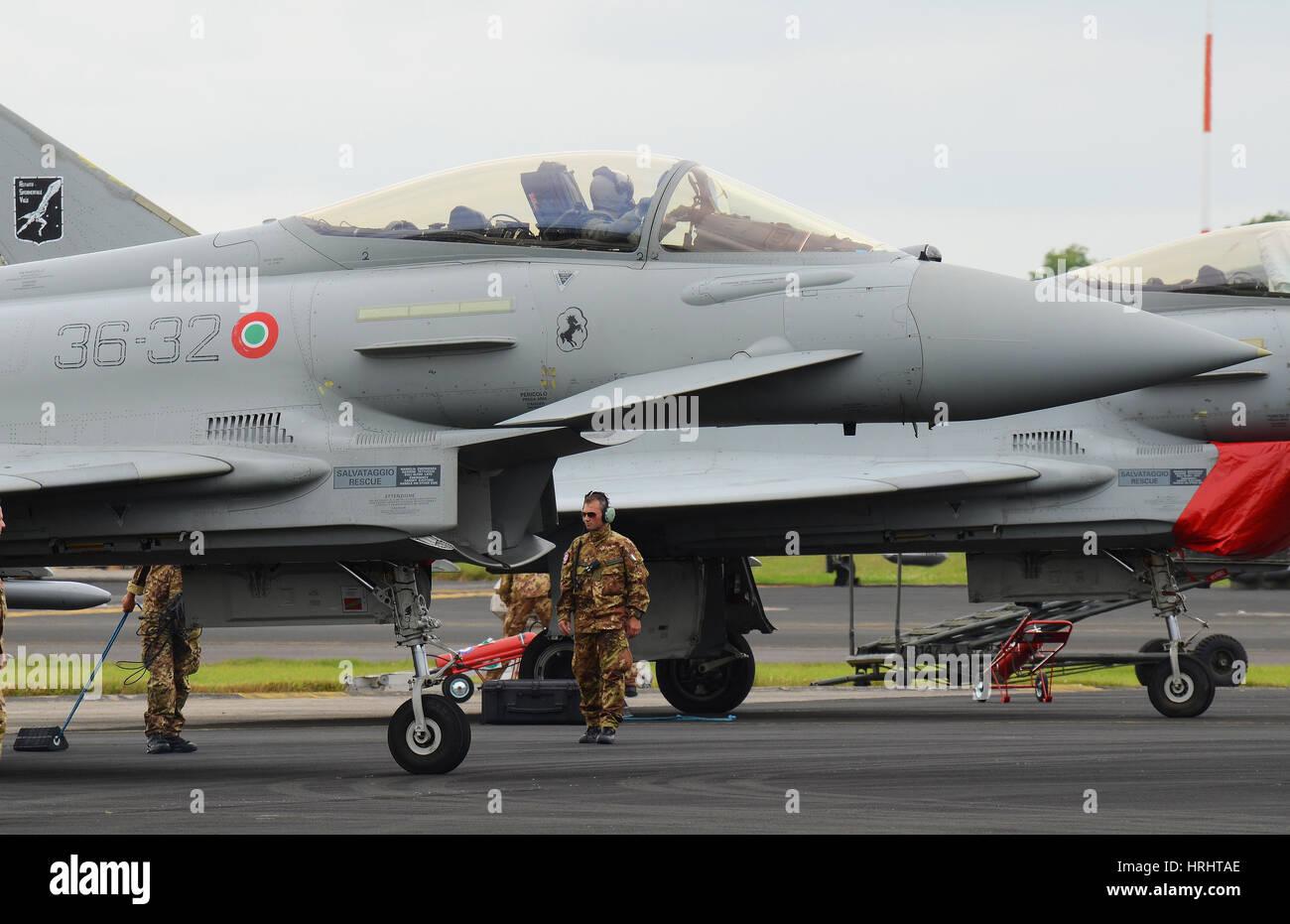 Aereo Da Caccia Efa : Aereo di combattimento di tifone di eurofighter immagine stock