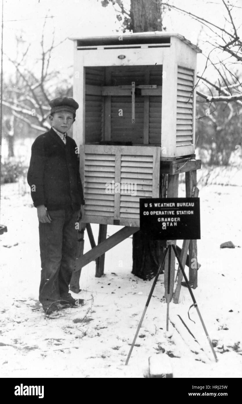 Volontariato stazione meteo, 1930 Immagini Stock