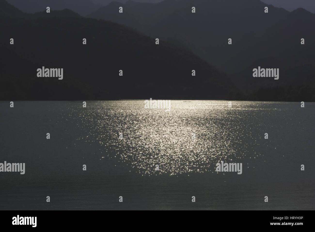 142_Tramonto sul lago di Barcis = Tramonto sul lago di Barcis Immagini Stock