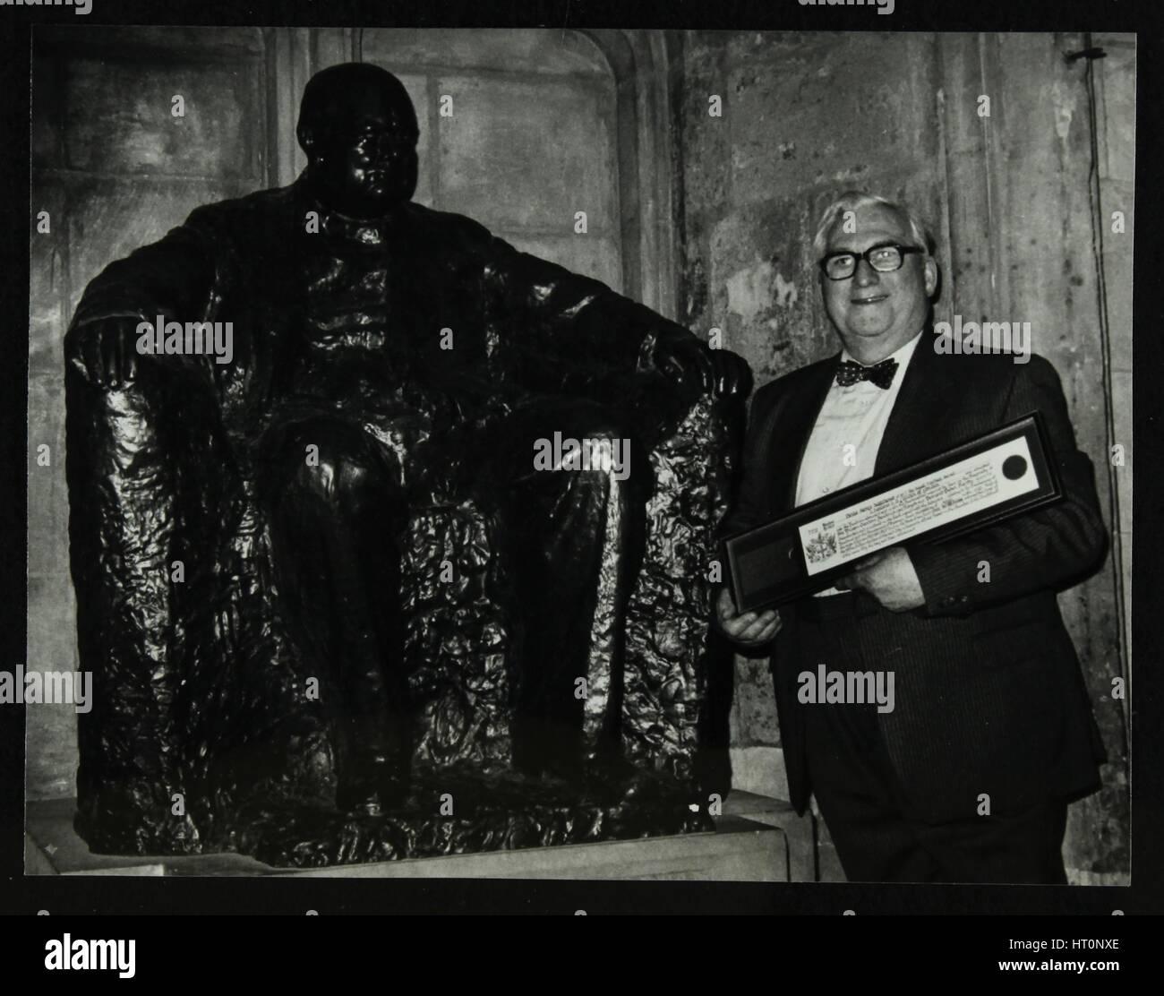 Dennis Matthews, editore della rivista musica jazz di Crescendo, alla Guildhall, Londra, 1992. Artista: Denis Williams Immagini Stock