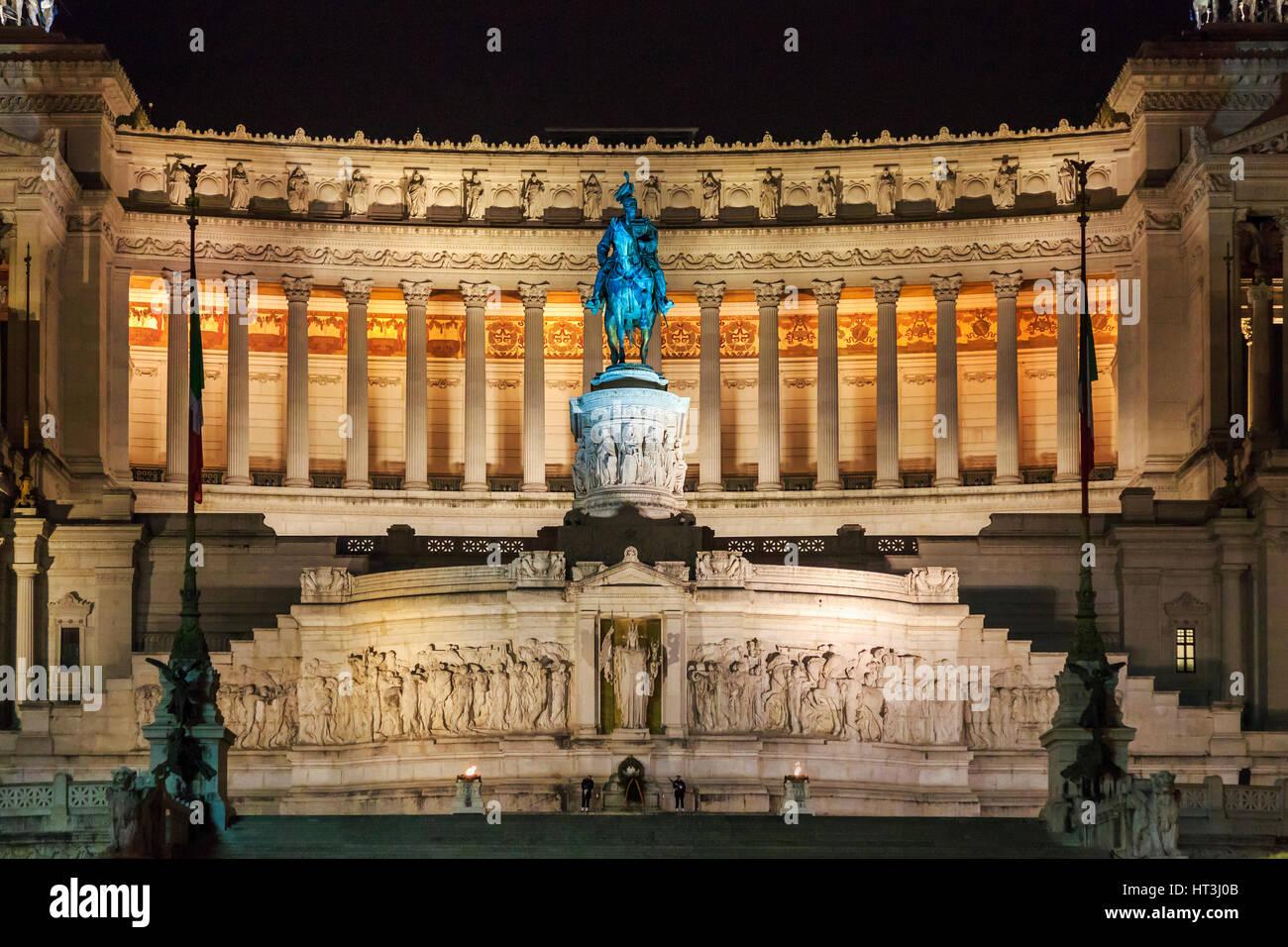 Monumento di Vittorio Emanuele, via Teatro Marcello, Roma, Italia Immagini Stock