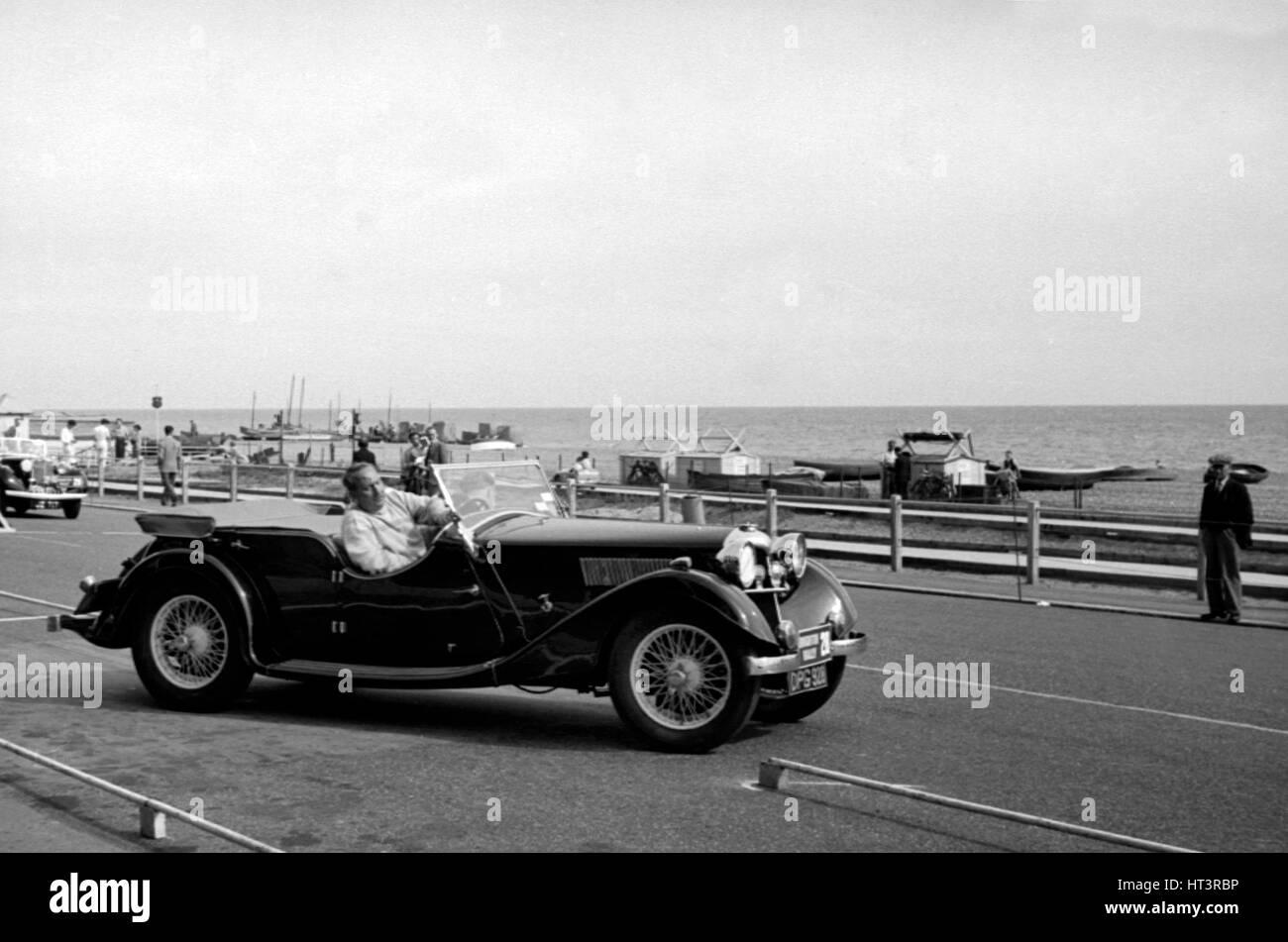 1937 Riley Lynx sul 1953 Brighton rally Artista: sconosciuto. Immagini Stock
