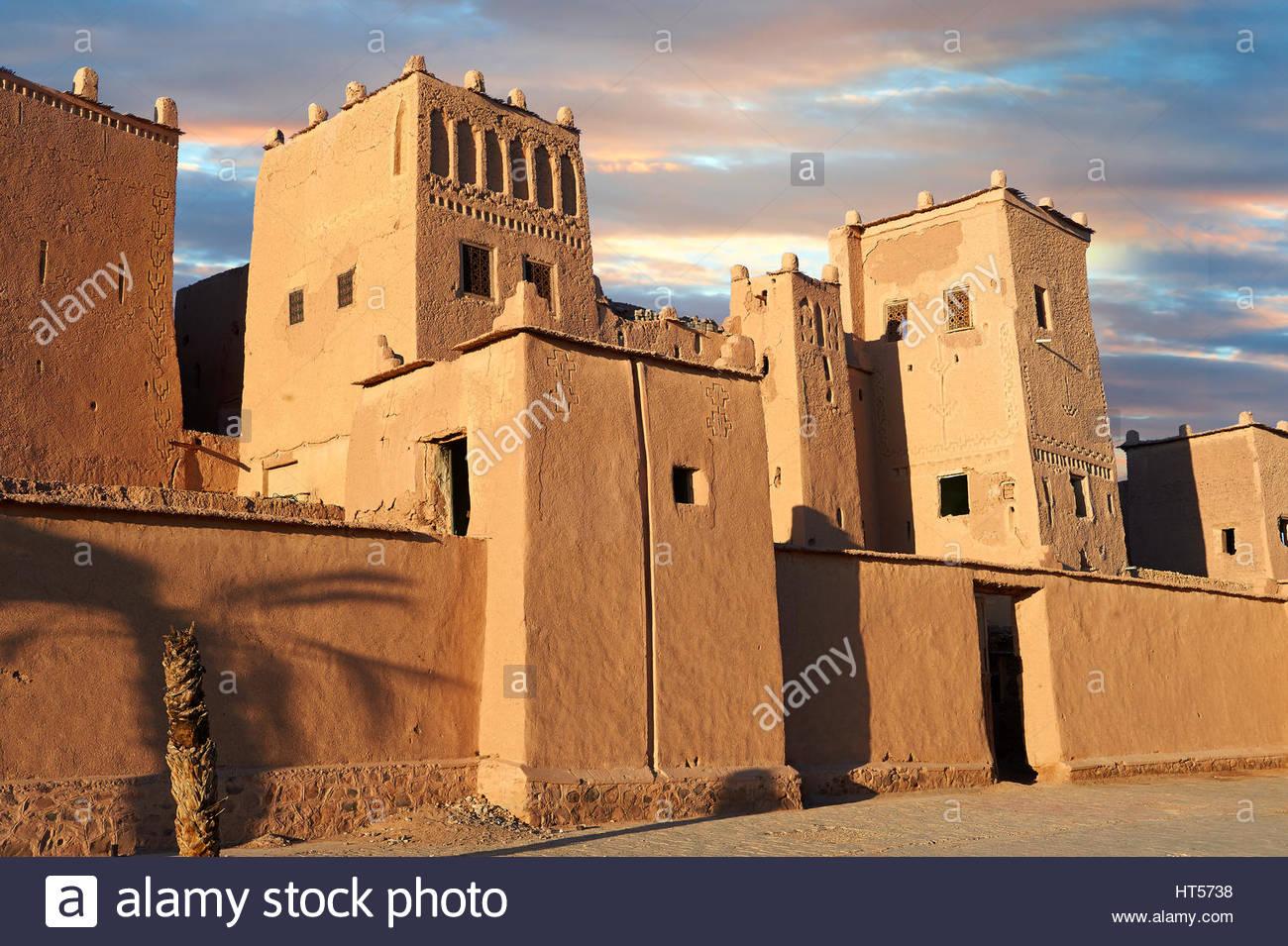 Esterno del mattone di fango kasbah Taourirt, Ourrzazate, Marocco, costruito da pascià Glaoui. Un sito Patrimonio Immagini Stock