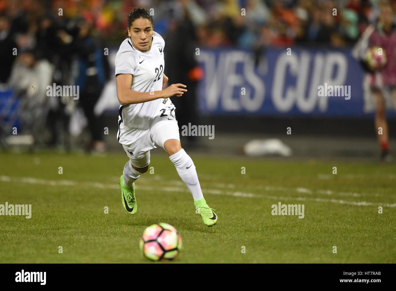 Washington DC, Stati Uniti d'America. 07Th Mar, 2017. In Francia la Amel Majri (22) corre con la palla durante il Foto Stock