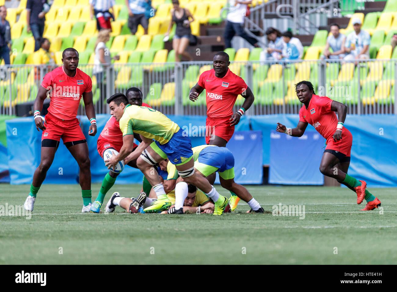 Rio de Janeiro, Brasile. 11 agosto 2016 Felipe Sancery (BRA) compete in uomini del Rugby Sevens in una partita contro Immagini Stock