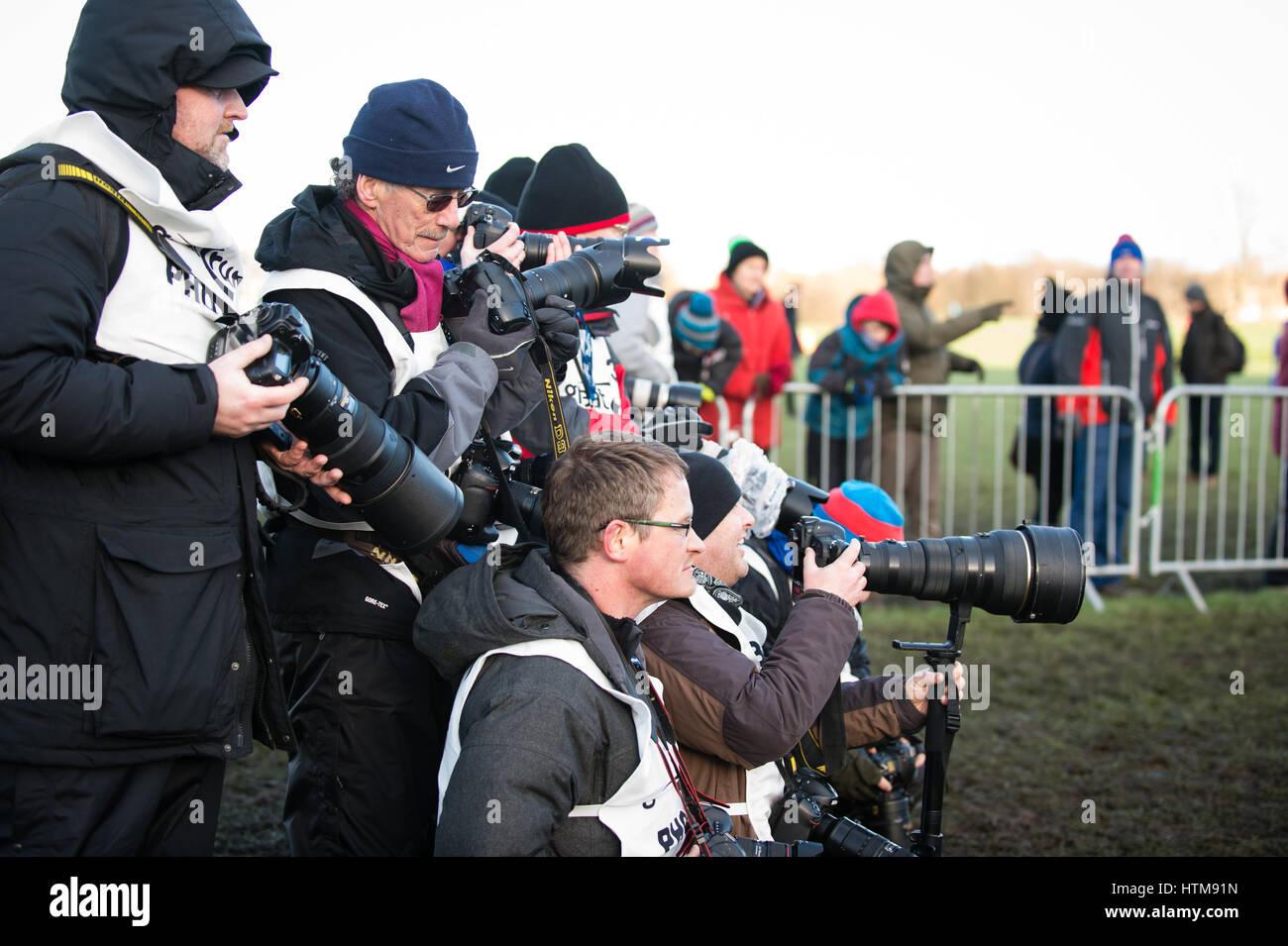 Edimburgo, Scozia, Regno Unito, 10 gennaio 2015 - varie premere i fotografi presso la grande croce di Edimburgo Immagini Stock
