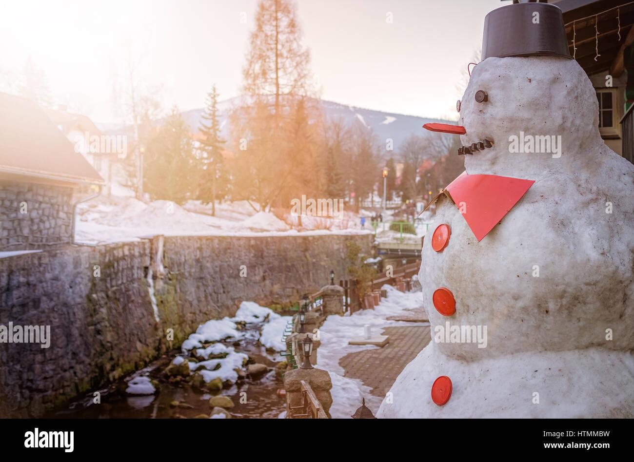Grandi Big fat pupazzo di neve con naso rosso e pulsanti Foto Stock