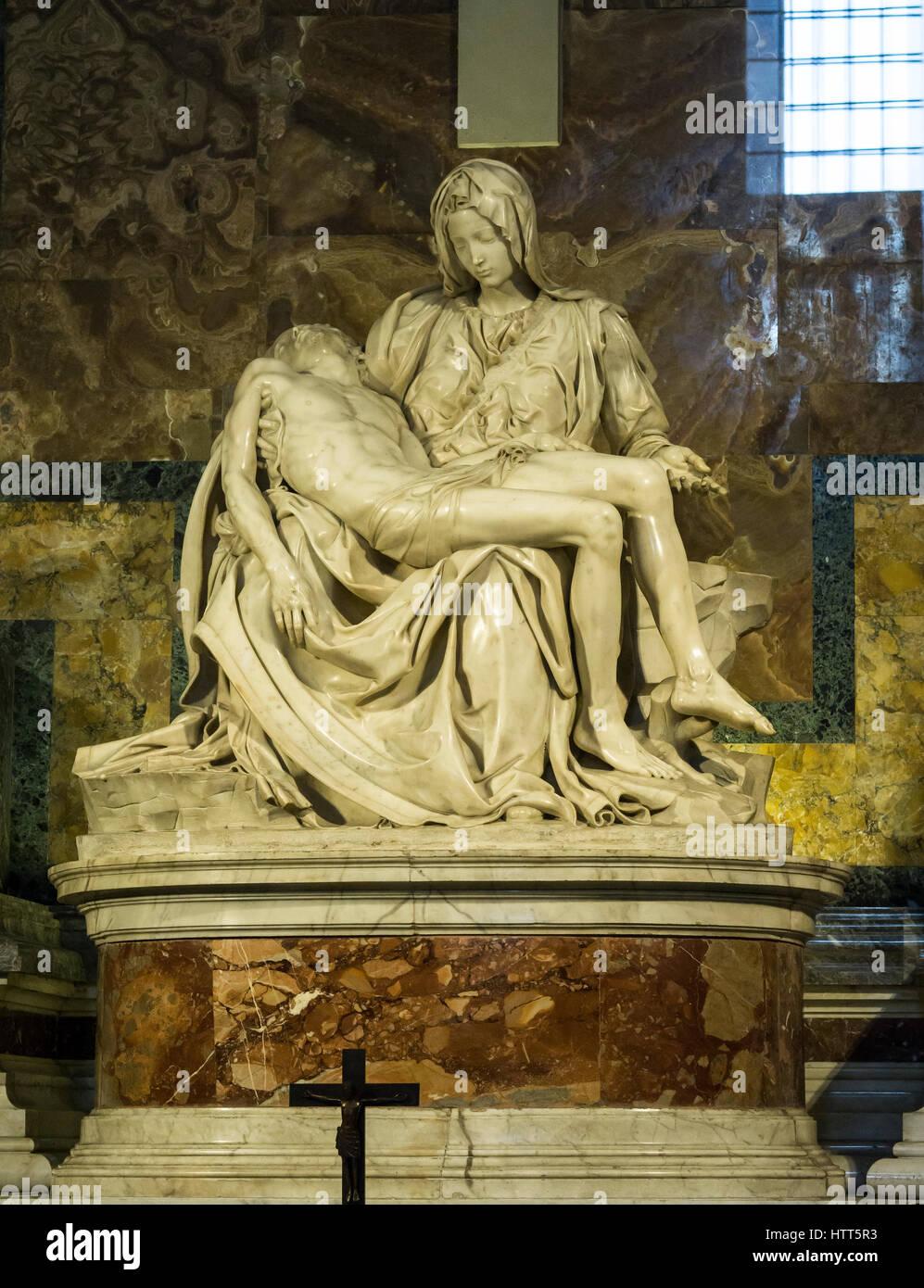 Pietà di Michelangelo 1498-1499 nella Basilica di San Pietro , Città del Vaticano, Roma, Italia. Foto Stock