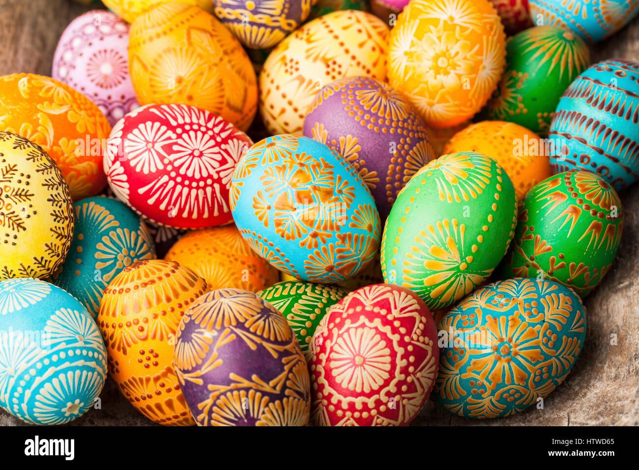 Le uova di pasqua pasquale uova decorate con cera d 39 api per celebrare la pasqua la sua - Uova di pasqua decorate ...