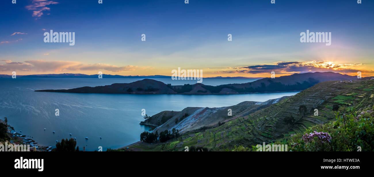 Tramonto sul lago Titicaca, Isla del Sol - Bolivia Immagini Stock