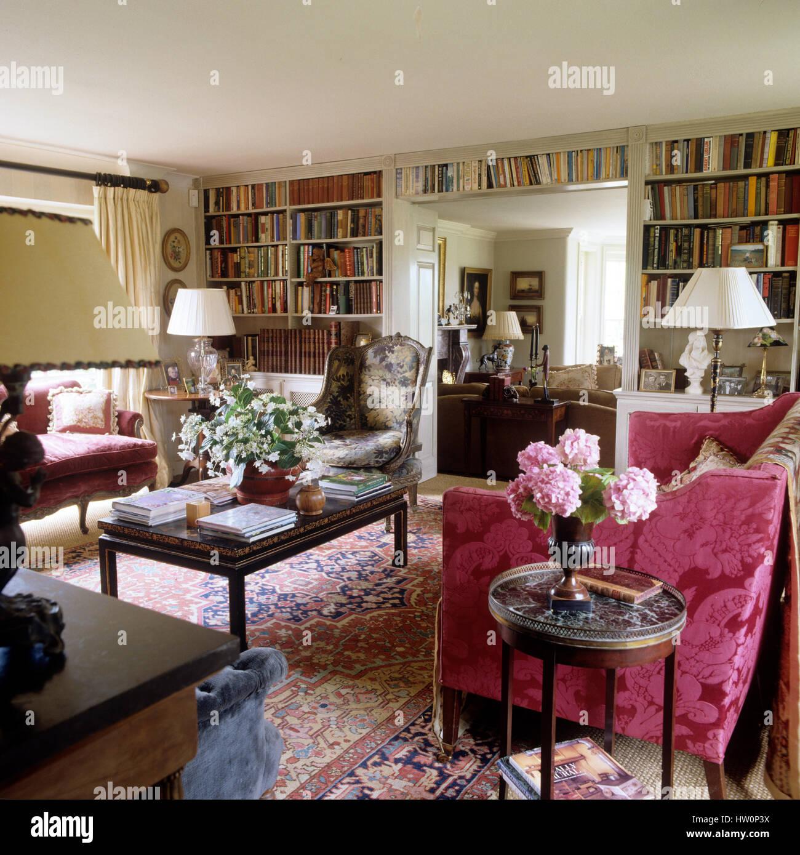 Stile classico soggiorno Foto & Immagine Stock: 135856334 ...
