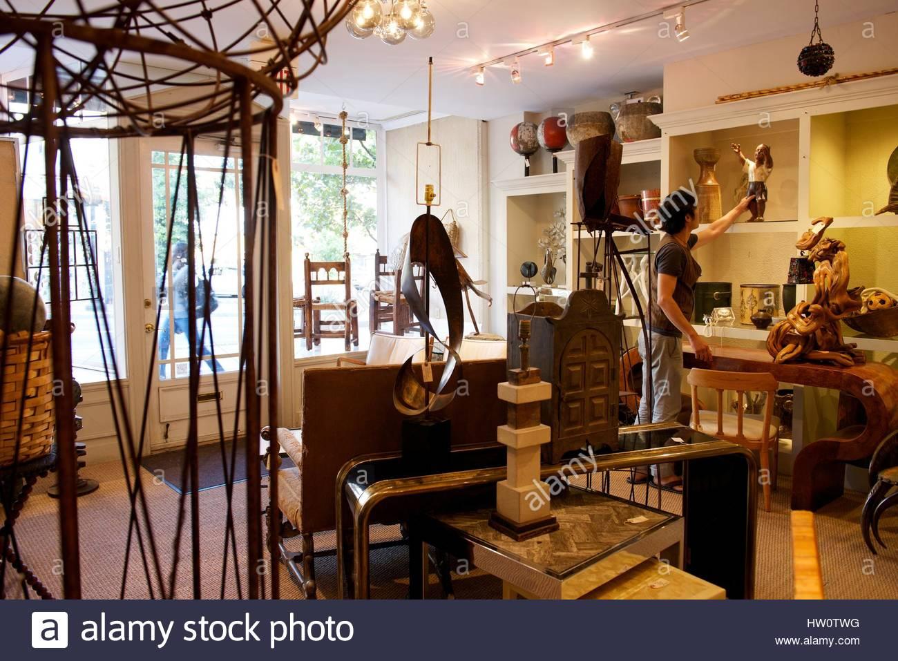 Interno di Darrell Dean antiquariato e arti decorative nel quartiere di Georgetown, a Washington, DC. Immagini Stock