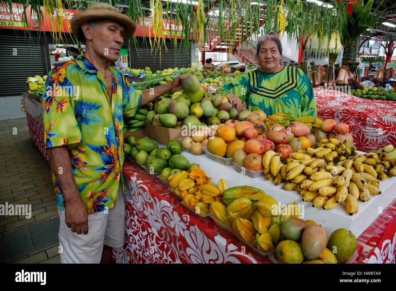 Francia Polinesia francese Isole windward arcipelago, l'isola di Tahiti, Papeete, il mercato di frutta in stallo Immagini Stock