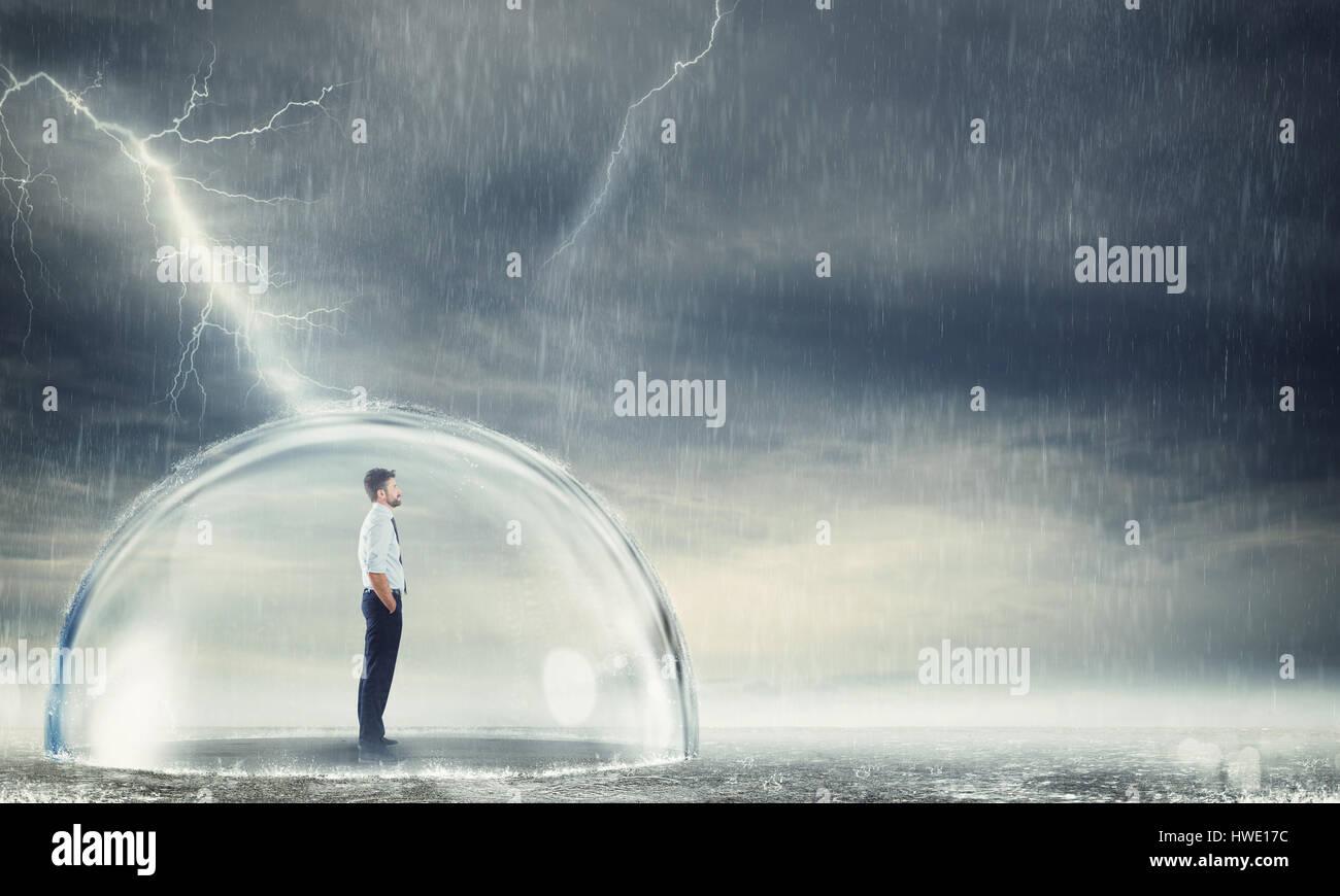 Imprenditore protetti dalla crisi Immagini Stock
