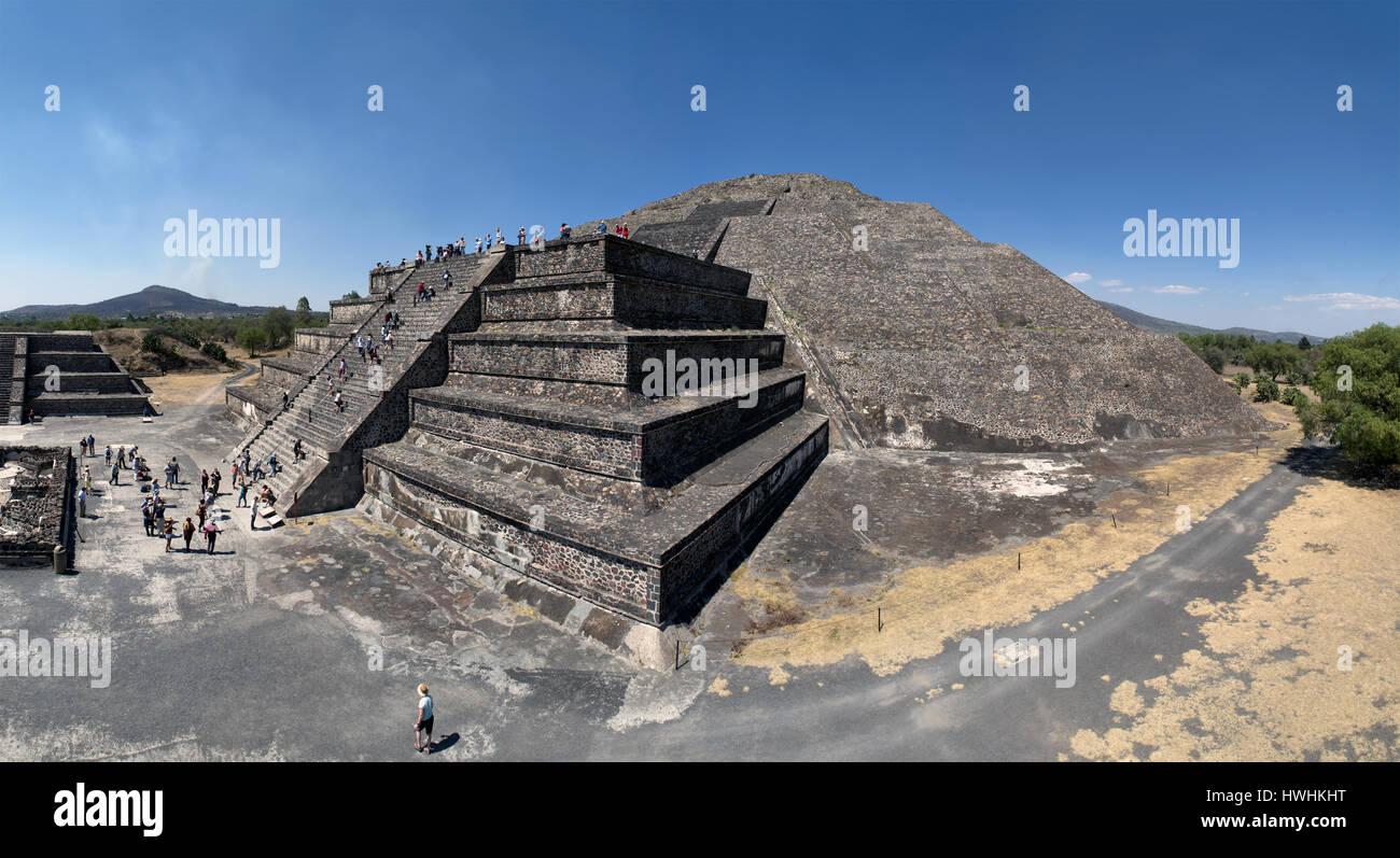 Teotihuacan, Messico. La Piramide della Luna Immagini Stock