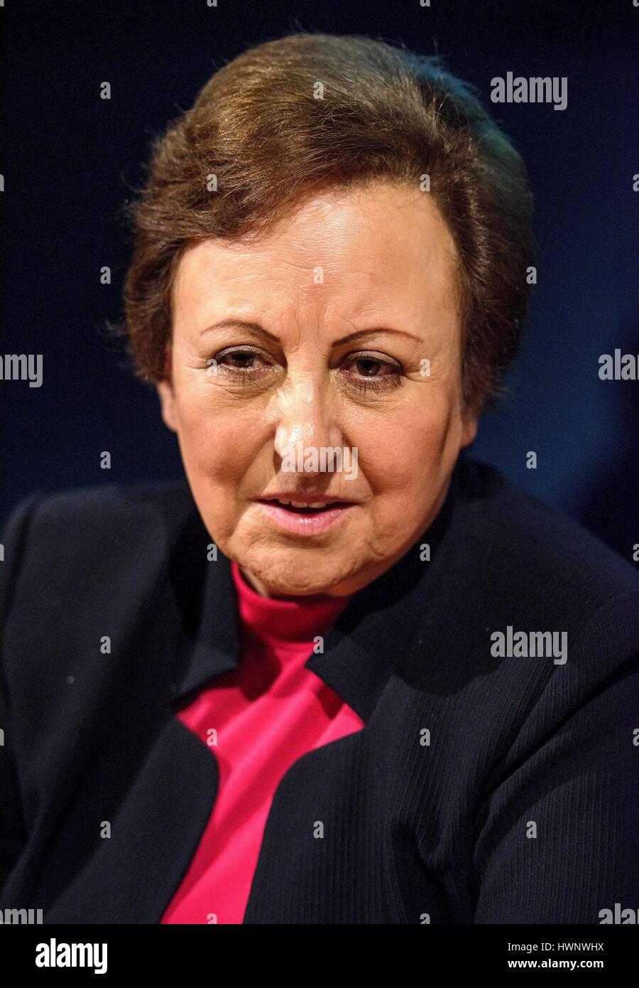 Avvocato iraniana e attivista per i Diritti Umani Shirin Ebadi in occasione del Salone Internazionale del Libro Immagini Stock