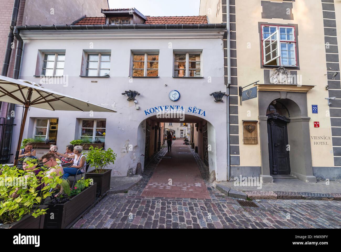 Gateway per Konventa Seta Hotel sulla Città Vecchia di Riga, la città capitale della Repubblica di Lettonia Immagini Stock