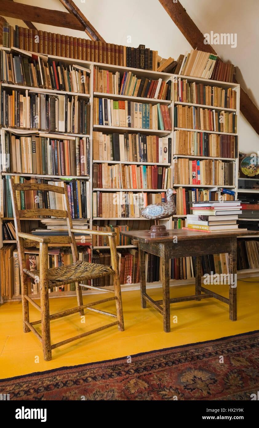 Libreria Antica In Legno.Librerie Antiche In Legno Sedia E Tavolo Nella Sala Studio 1810