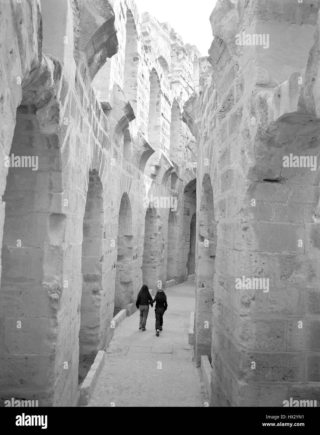 Interno del El Jem Colosseo in Tunisia centrale, Nord Africa Foto Stock