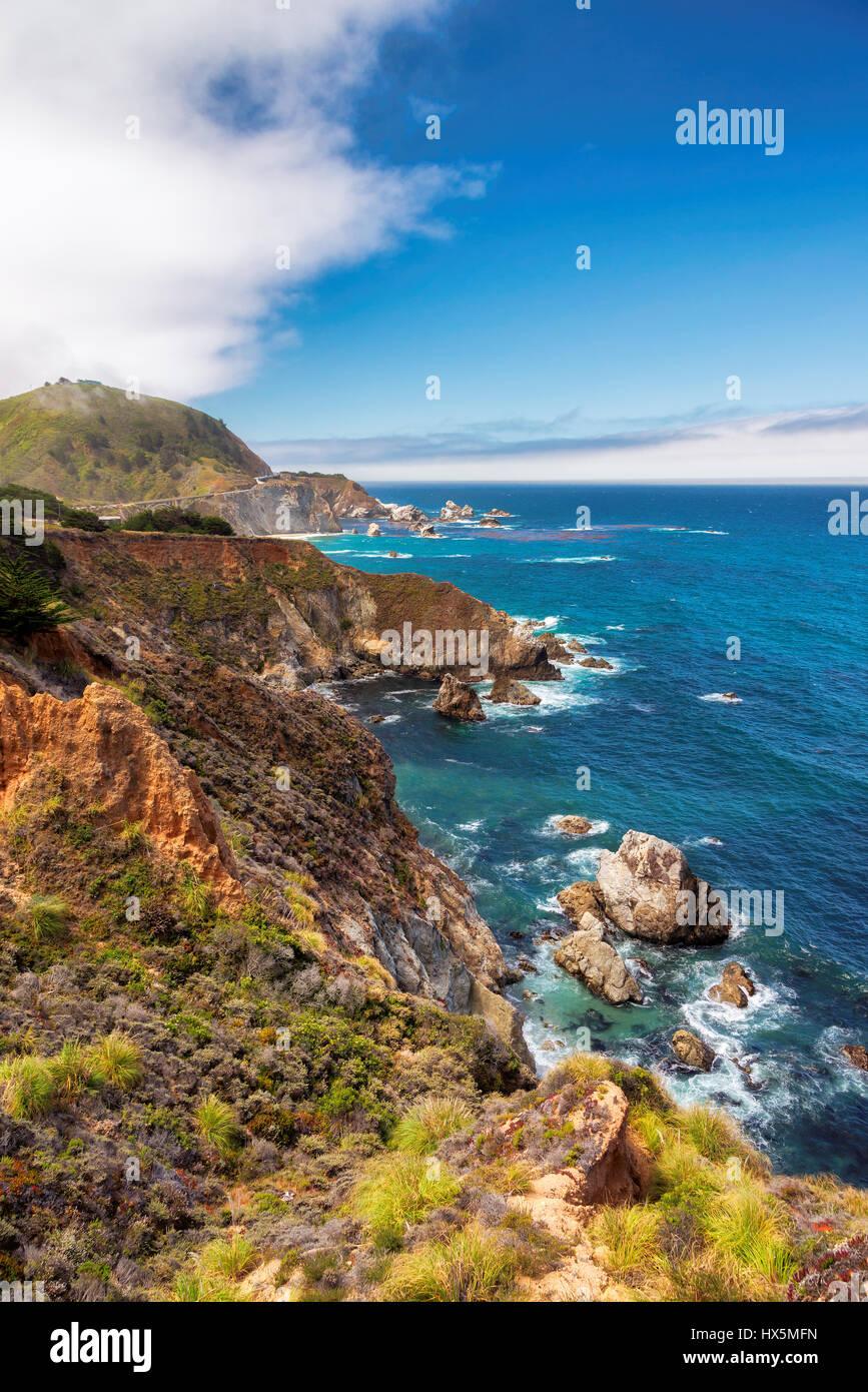 Bellissima vista della linea costiera della California lungo la Strada Statale 1. Immagini Stock
