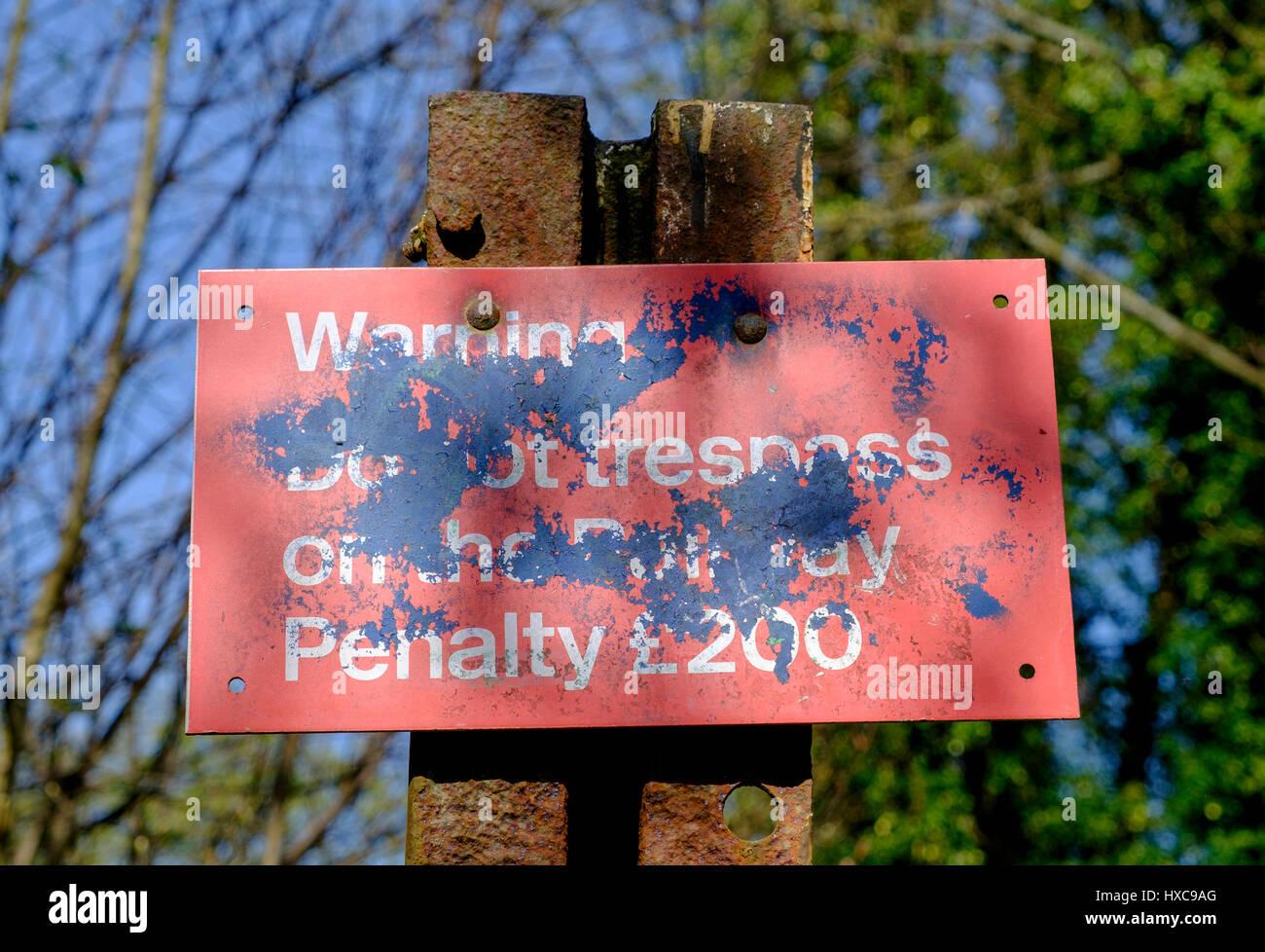 Cartelli Da Bagno : Stazione ferroviaria rosso infedeltà cartello segnaletico opener con