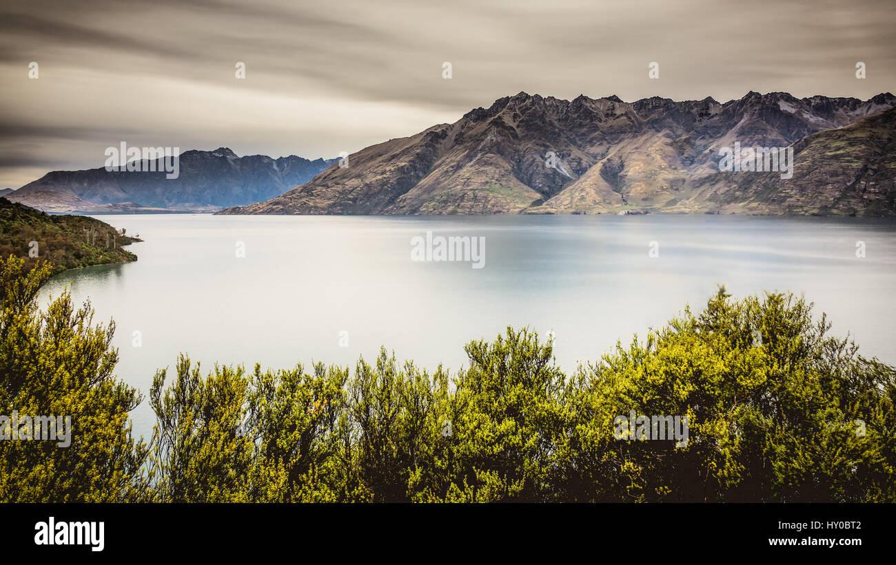 Sul lago Wakatipu, Nuova Zelanda Immagini Stock