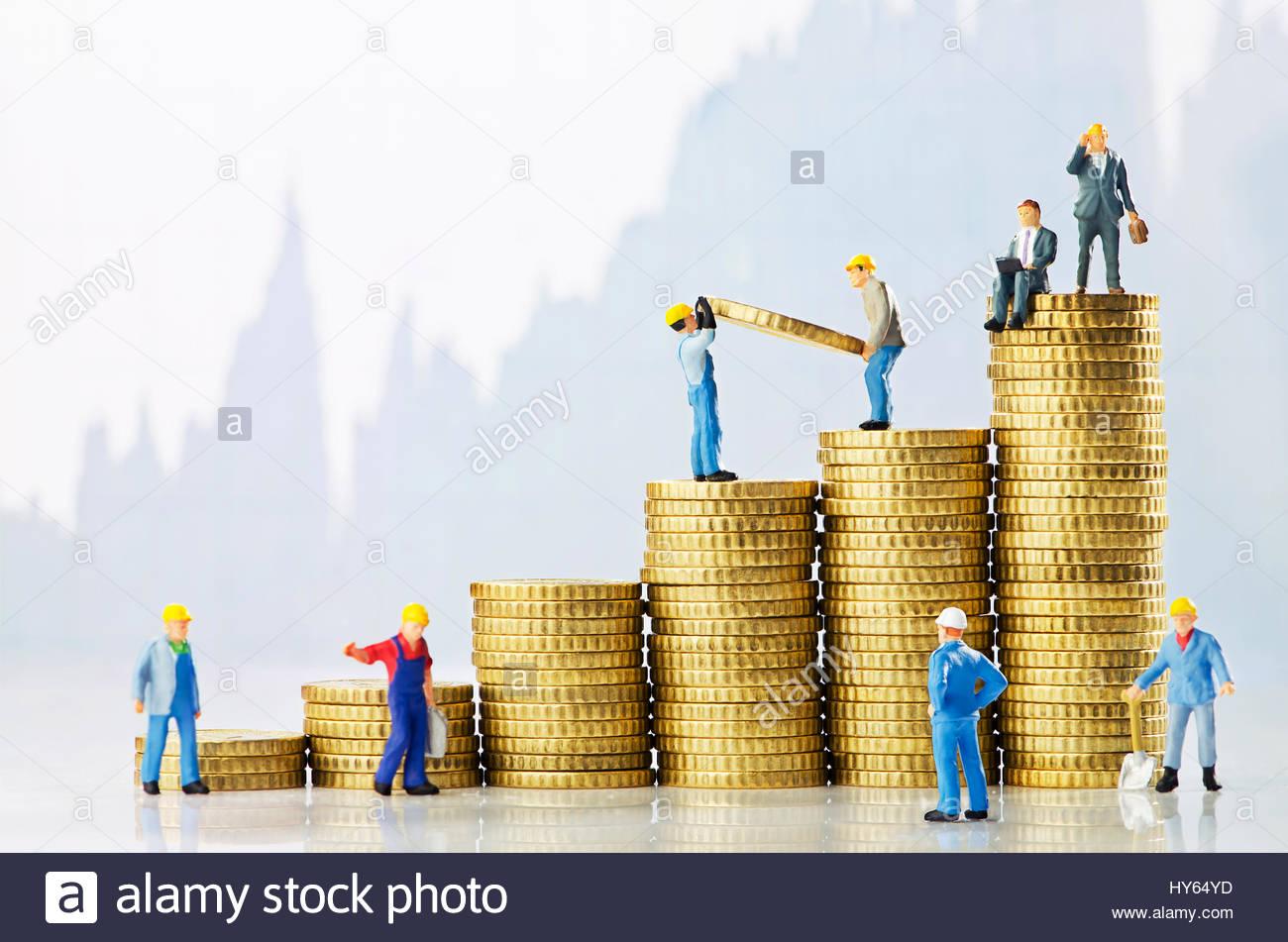 Gli uomini di lavoro creazione di crescita aziendale Immagini Stock