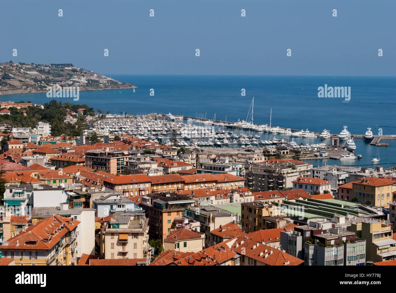 Sanremo città e vista sul porto, Italia Foto Stock
