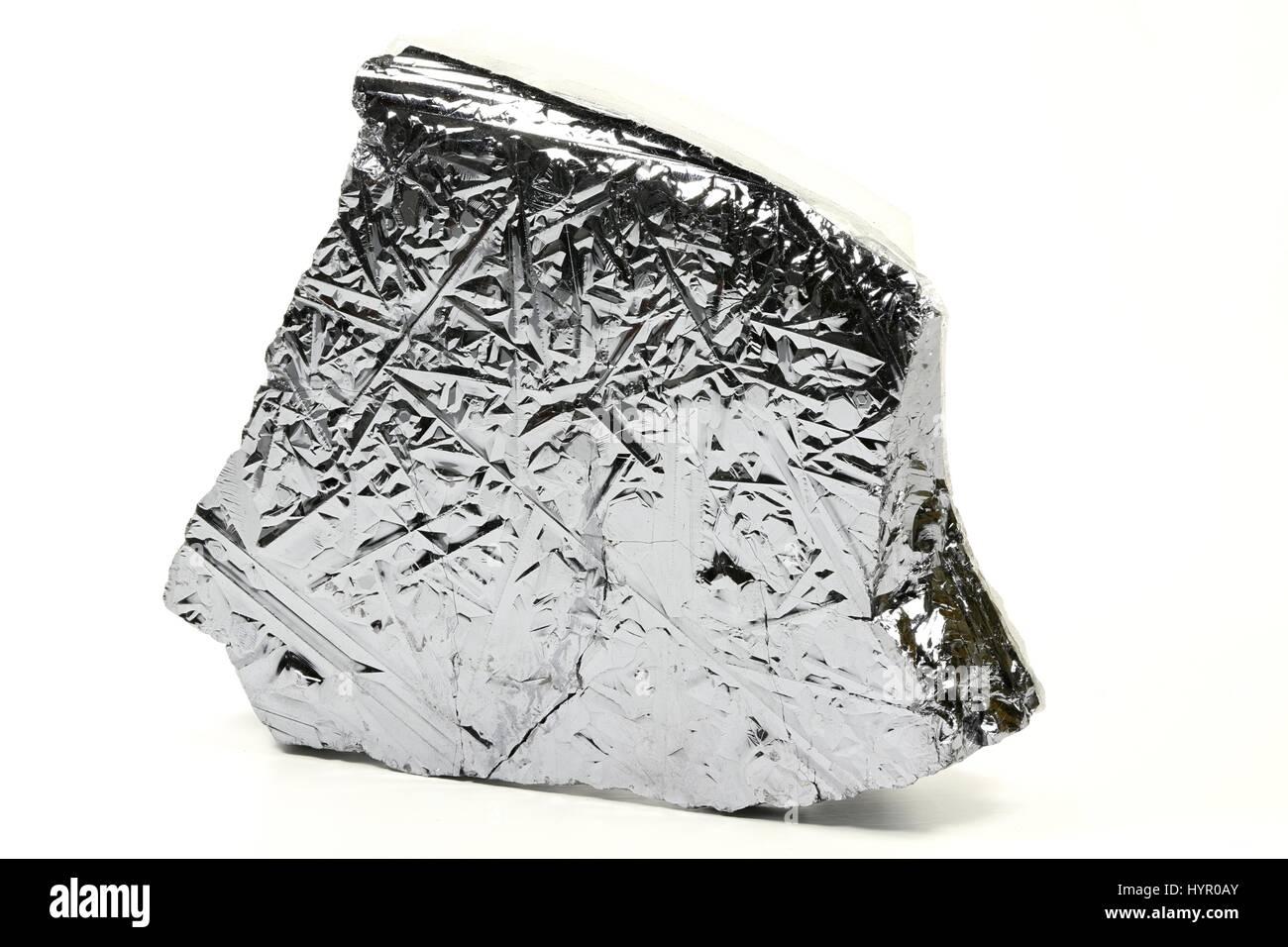 Elevata purezza del silicio policristallino da Freiberg/ Germania isolati su sfondo bianco Immagini Stock