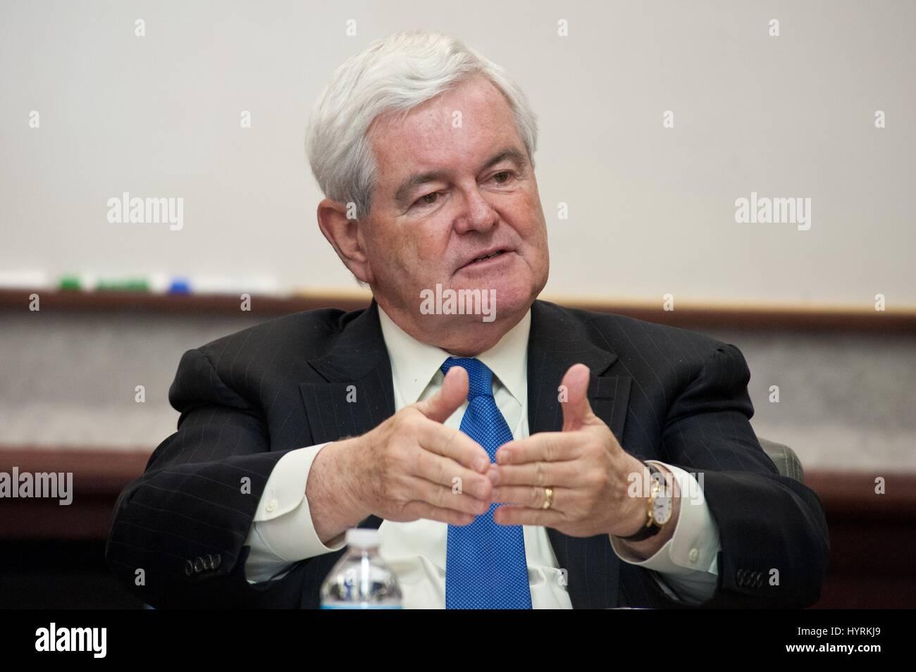 Ex U.S. House Speaker Newt Gingrich parla di orizzonti blu Scuola di Advanced Air e lo spazio gli studi presso la Immagini Stock