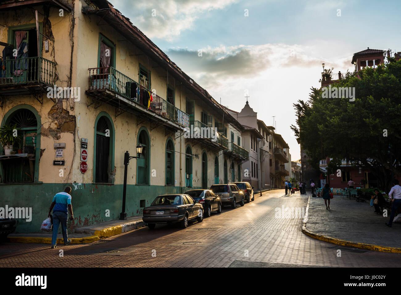 Scena di strada, Casco Viejo, Sito Patrimonio Mondiale dell'UNESCO, Panama City, Panama America Centrale Immagini Stock