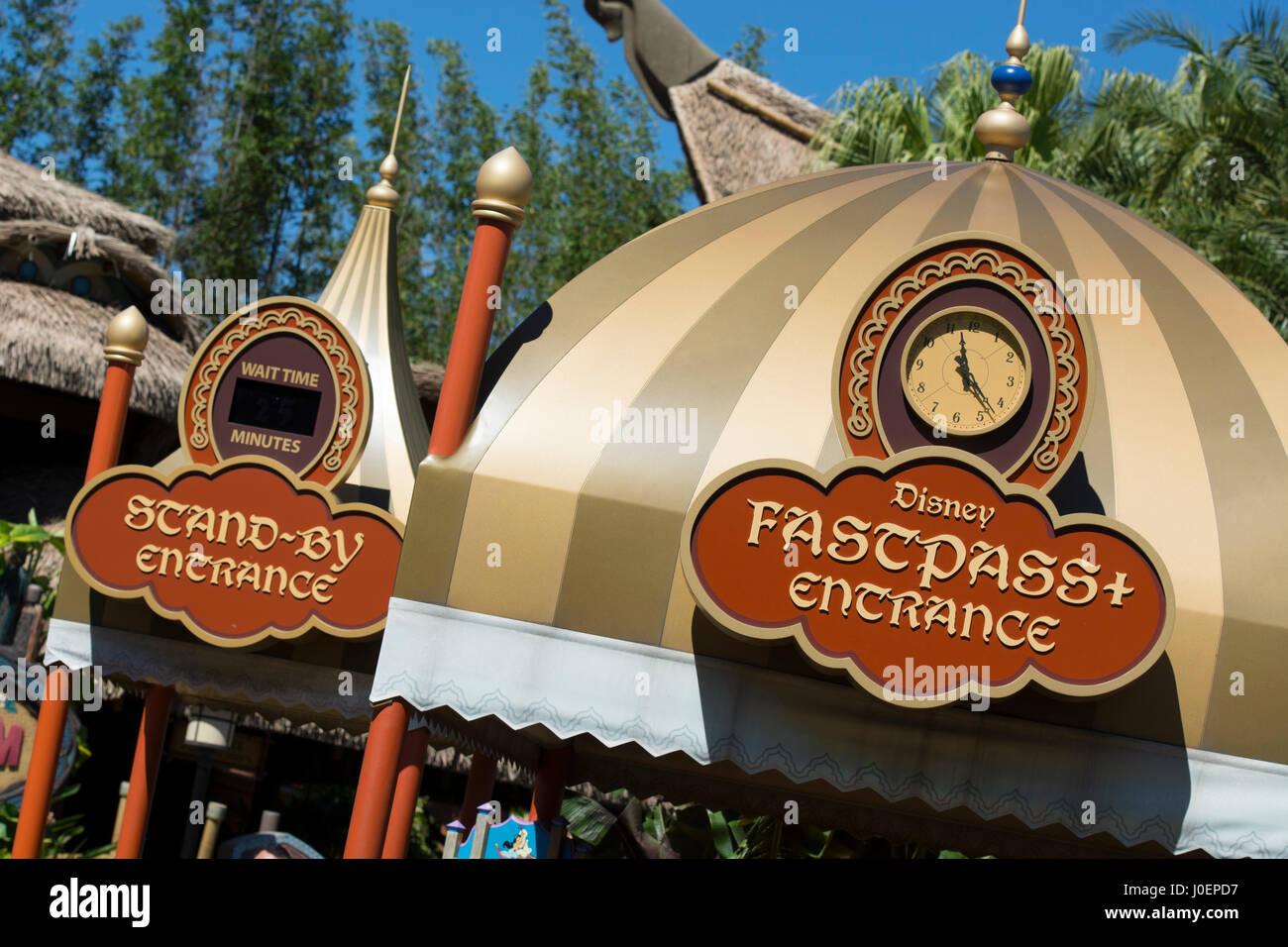 Disney Fast Pass e stand-da ingresso, Disney World, a Orlando in Florida Immagini Stock