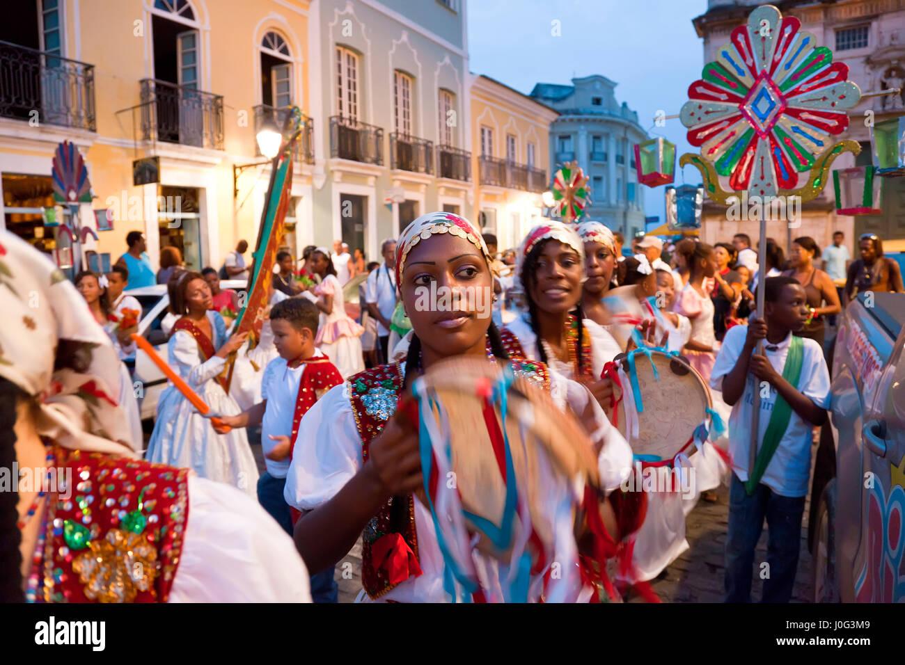 Processione di natale & carnevale, Pelourinho, Salvador, Bahia, Brasile Immagini Stock