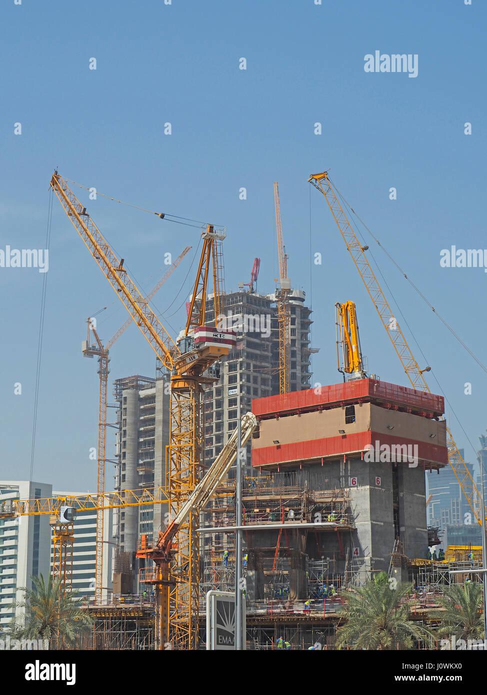 In corso di costruzione dappertutto in Dubai Emirati Arabi Uniti. Immagini Stock