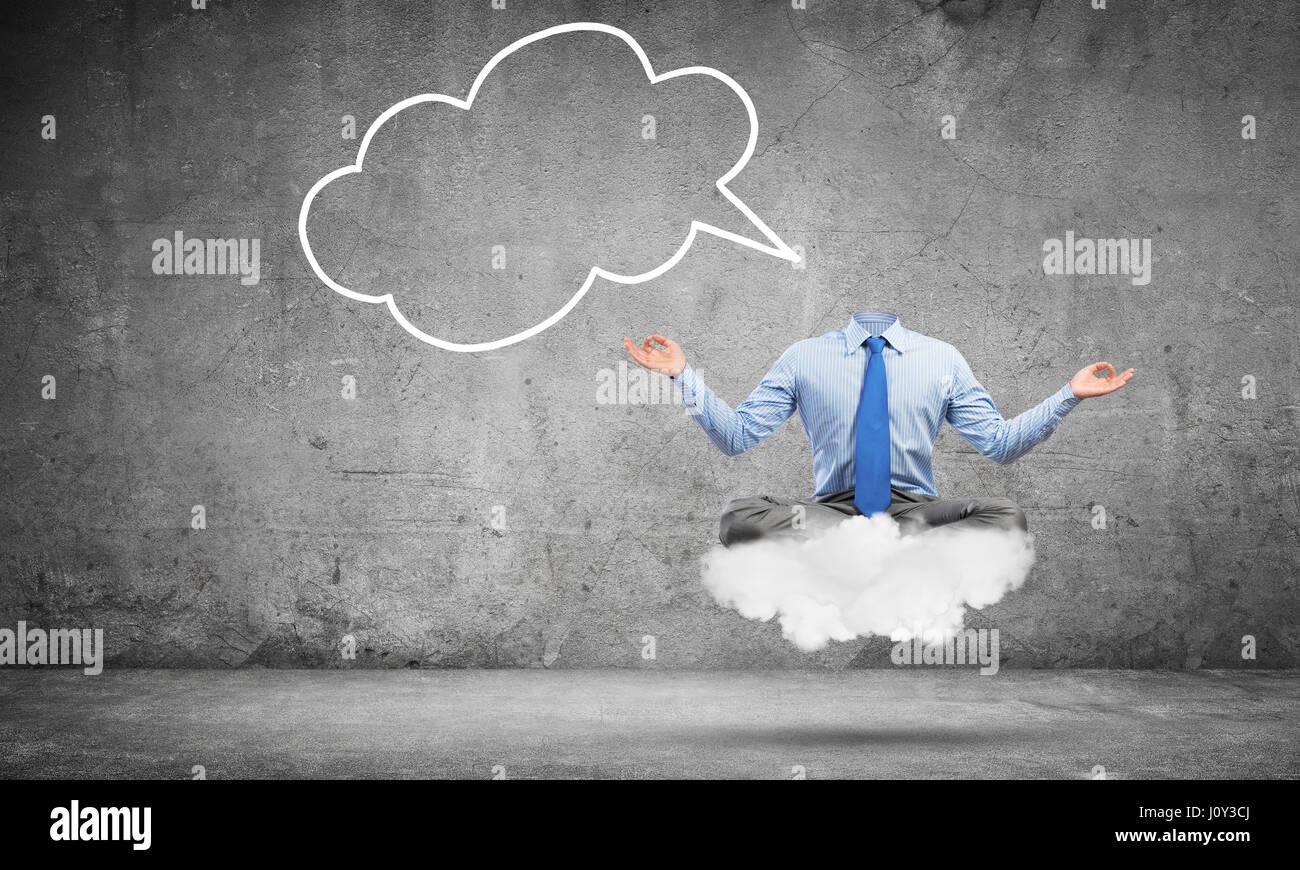 Imprenditore Headless meditando Immagini Stock